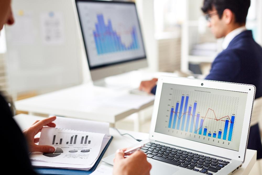 online-statistics-X5AGSUQ-1
